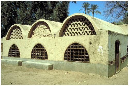 Keramikfabrik in Garagos, Qena, (c) Chant Avedissian, Aga Khan Trust for Culture